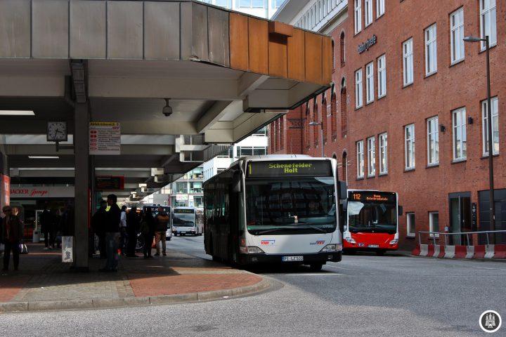 Der Bahnhof Altona wird sich in Zukunft mit der Verlegung nach Diebsteich wegfallen, die Gegend wird sich also massiv verändern. Was dies für den Busbahnhof bedeutet lässt sich heute noch nicht abschätzen.