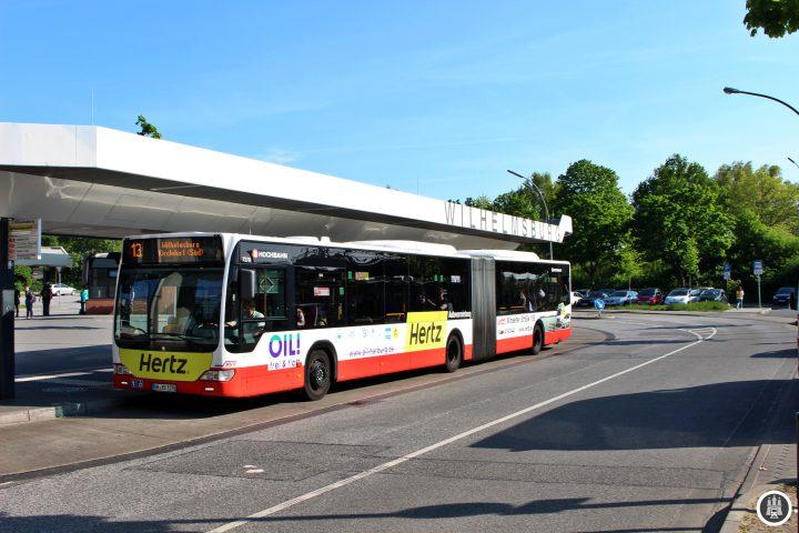 Der Bahnhof Wilhelmsburg und das Umfeld wurden vor wenigen Jahren im Rahmen der internationalen Gartenschau saniert. Hier sehen wir die Busumsteigeanlage.