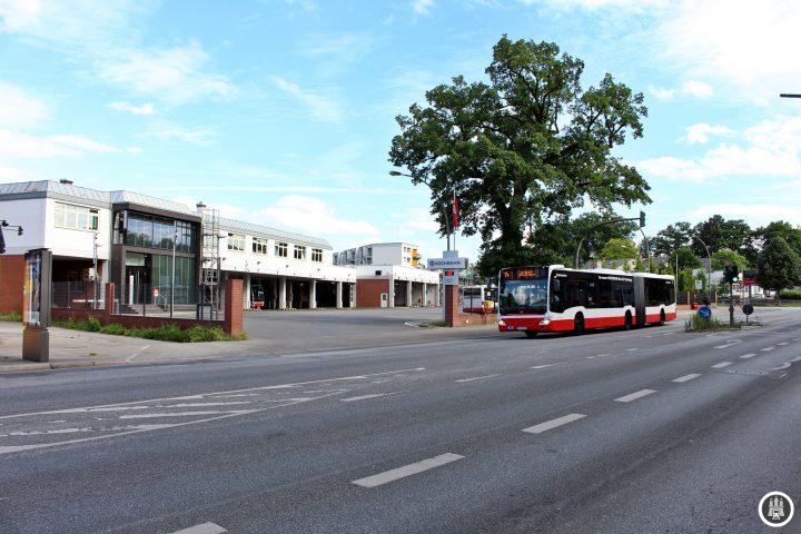 An der Haltestelle Winsener Straße (Nord) liegt der Busbteriebshof Harburg. Vor etwas über einem Jahr wurde der Busbetriebshof Harburg II an der Hannoverschen Straße zur Entlastung eröffnet.