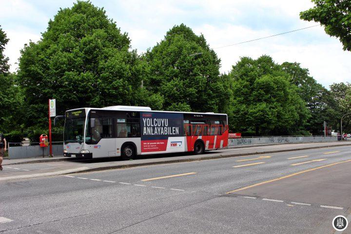 Die Trabrennbahn Bahrenfeld ist nicht nur für den Reitsport wichtig, auch für Konzerte kann das Gelände seit einigen Jahren genutzt werden. Primär finden hier aber die wichtigsten Reitsportevents der Hansestadt statt.