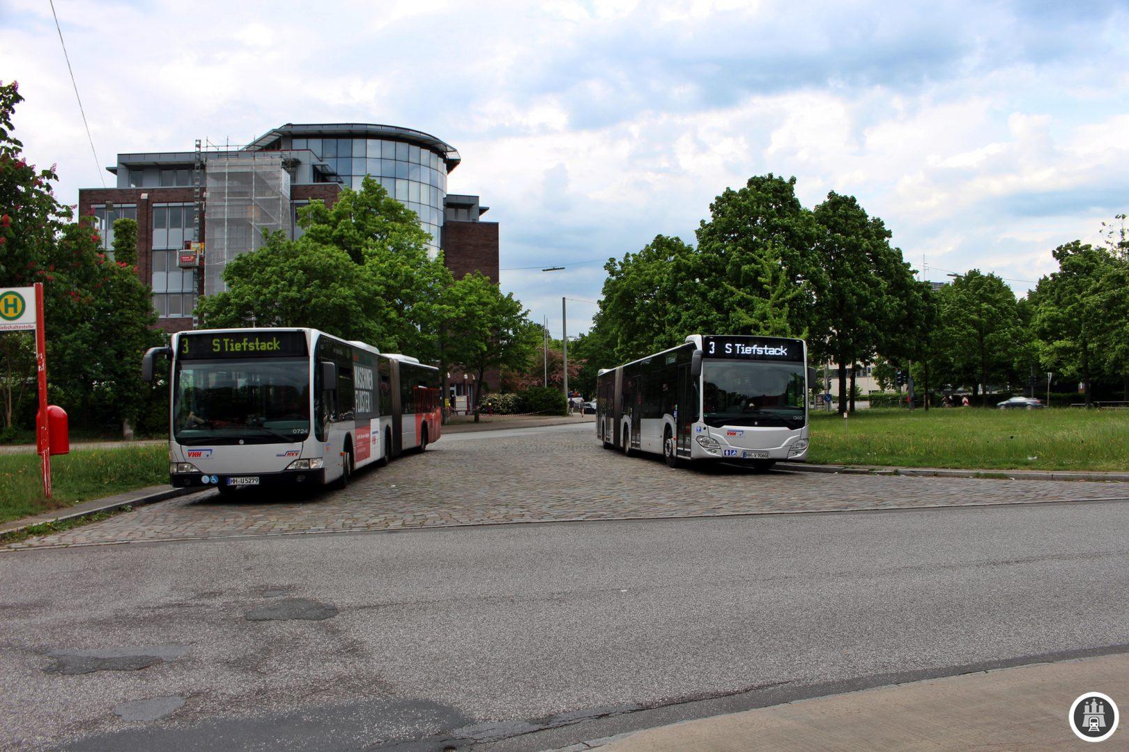 An der Trabrennbahn Bahrenfeld setzen die Busse für den Zwischentakt ein, der Tagsüber den Abschnitt bis Rathausmarkt auf einen Fünfminutentakt verstärkt. Bis nach Tiefstack geht es alle 10 Minuten.