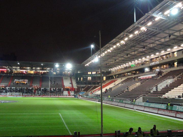 Der FC. St. Pauli wurde am 15. Mai 1910 gegründet, jedoch gab es einige Vorgänger. Der FC St. Pauli ist neben dem HSV der erfolgreichste Fußballverein in der Stadt und spielt derzeit in der 2. Bundesliga. In der Saison 2010/11 war der Verein zusammen mit dem HSV in der ersten Bundesliga, sodass es zwei Lokalderbys gab, was die Konflikte zwischen den Fans beider Vereine verstärkte. - von Brian Kohn - Von Brian Kohn am 14. März 2012 in die deutschsprachige Wikipedia geladen., CC BY-SA 3.0 de, httpscommons.wikimedia.orgwindex.phpcurid=41868921