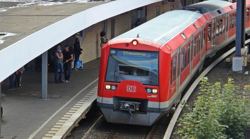 S1 gesperrt: SEV zwischen Berliner Tor und Hasselbrook
